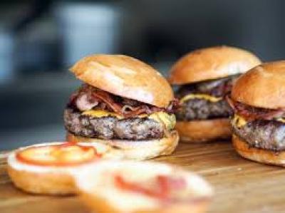 1493367949_best-burgers-playa-blanca.jpg